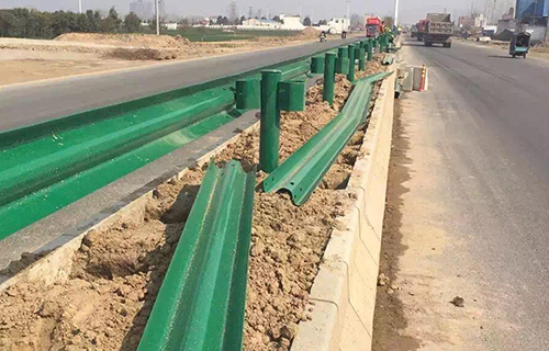 高速波形梁护栏施工应该注意什么