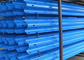 山东波形护栏厂家护栏板销售管安装
