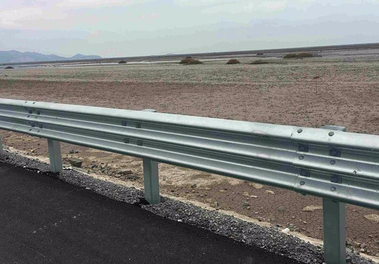 防撞护栏板厂家_波形护栏板_波形公路护栏